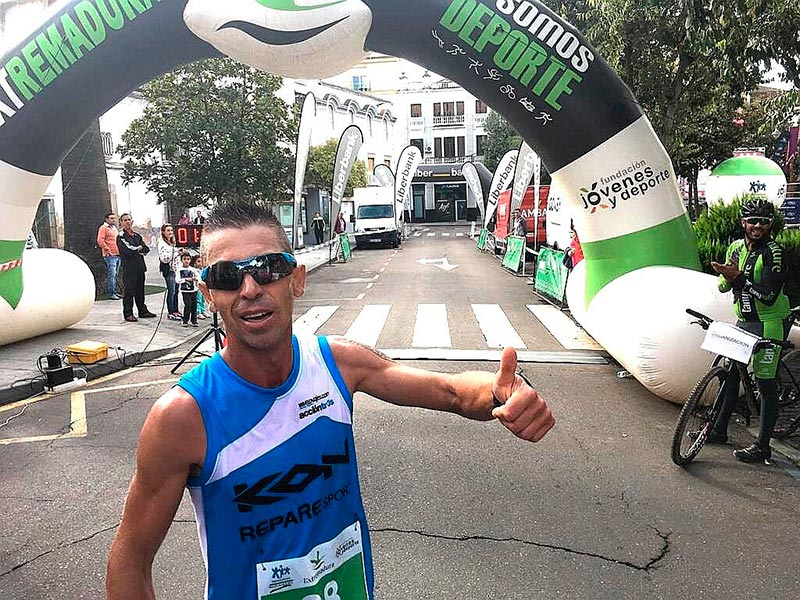 Nuevo triunfo de Juan Domingo Gómez (KON-Repare Sport) en la Media Maratón Las Cruces de Don Benito